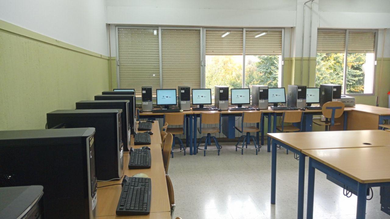 Campaña de donación de material informático con software libre para centros educativos (2018)